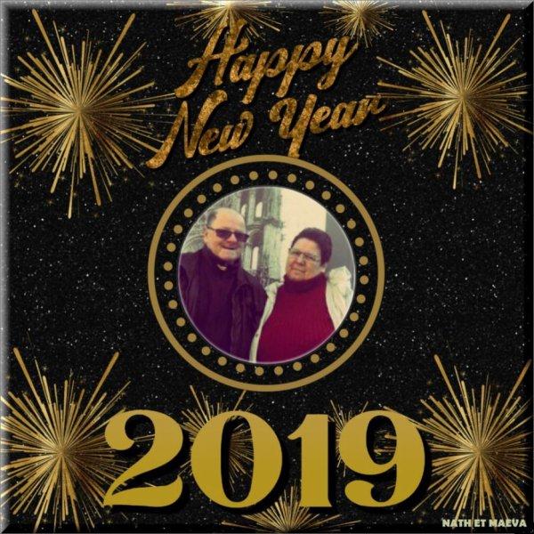 bonsoir mon amie uline-et-maeva merci pour ce merveilleux cadeaux pour 2019 moi je t'envoi mes meilleurs voeux pour 2019 j'espère que vous avez passée un bon réveillon de fin d'année moi je te souhaite une très bonne soirée et je t'envoi tout plein de gros bisous