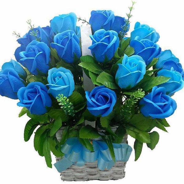 bonjour mes amies et amis voici un joli cadeaux pour vous tous et je vous souhaitent une bonne journèe en ce vendredi  et j espère que vous allez très bien car nous ont vas bien et je pense que ces tellement agrèable d avoir des amies et amis comme vous tous sur mon blog et je vous fais des gros bisous ton ami akcoucou
