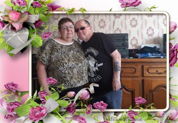 bonsoir  et merci pour c est joli cadeaux que j adore beaucoup et j espère que tu vas bien car je vais bien et ma femme elle vas bien aussi et je te souhaite une bonne soirèe et j ai passèe une bonne journèe en ce mercredi et je te fait des gros bisous ton ami akcoucou car c est très beau l amitiè