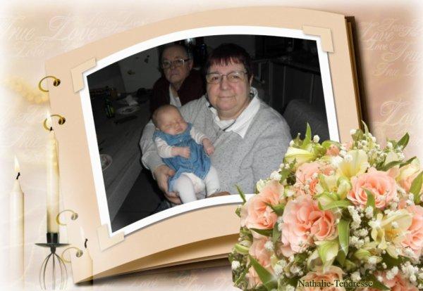 Bonjour mon amie Nathalie-Tendresse merci pour c'est merveilleux cadeaux de Famille il sont sublimes moi j'adore beaucoup je te souhaite une bonne après-midi en ce Vendredi et je t'envoi tout plein de gros bisous
