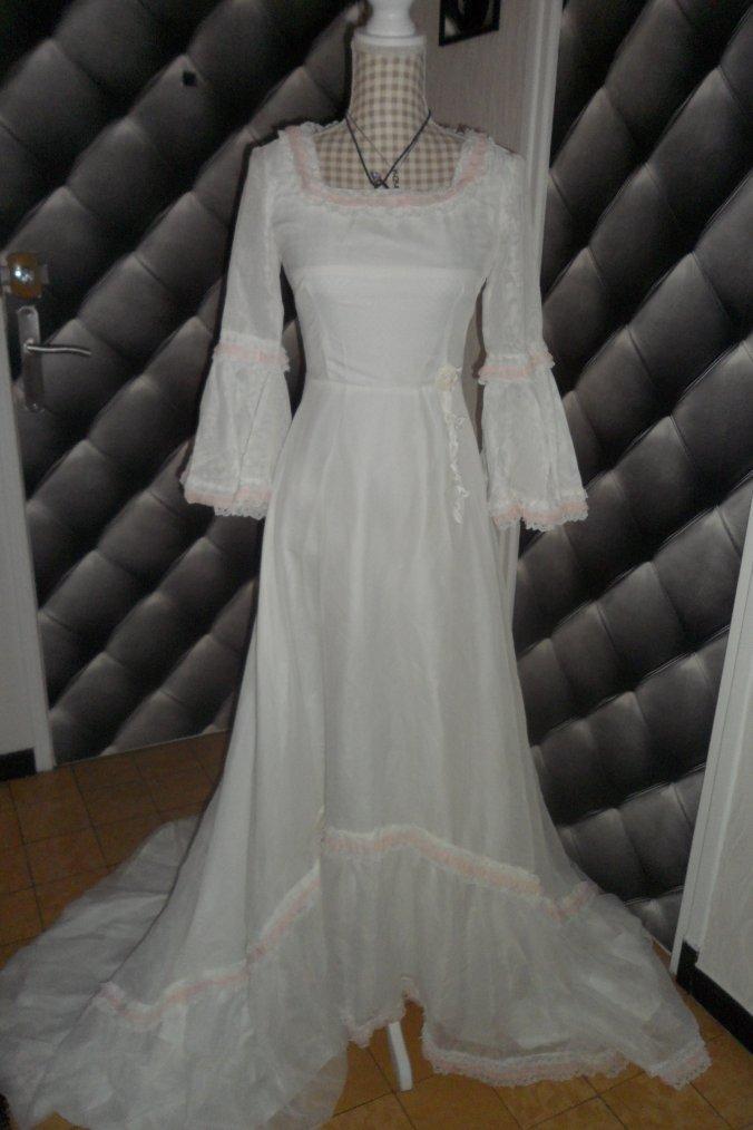 Ma robe de mariée , j ' aurais eu 40 ans de mariage ce mois ci...Pas trop le moral...