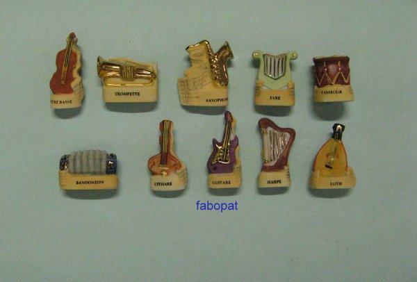 Série  INSTRUMENTS DE MUSIQUE  2005  à la vente  10 euros + FDP