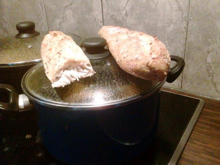 Voici la nouvelle technique que ma mère à utiliser pour décongeler le pain xD