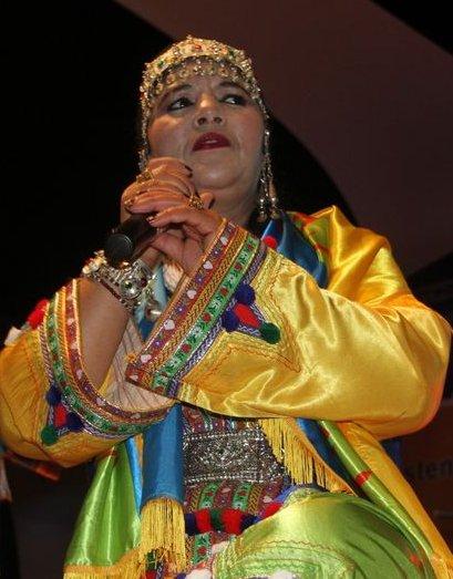 الفنانة المغربية الأمازيغية الرايسة فاطمة تبعمرانت