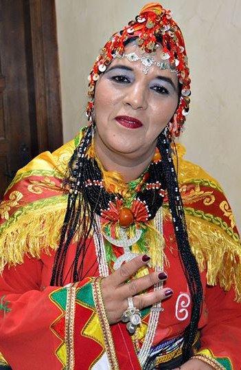 الفنانة المغربية الأمازيغية فاطمة تبعمرانت