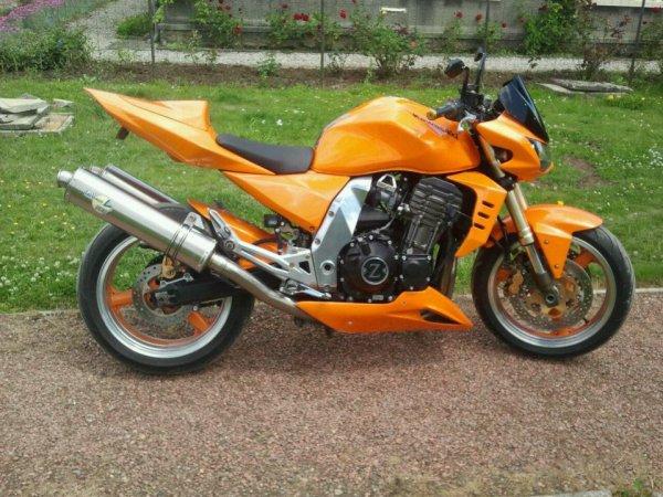 la moto 1000 kawasaki z de mon beau frere