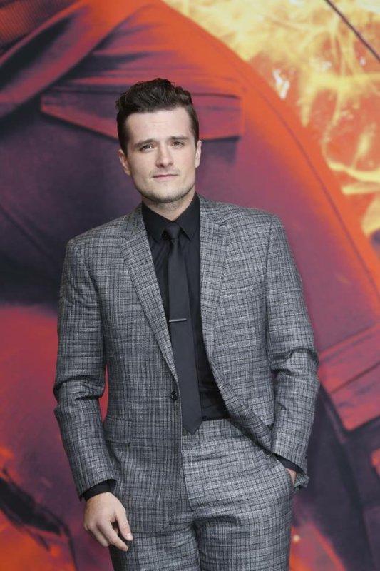 Josh à l'AP de Hunger Games 3 part 2!