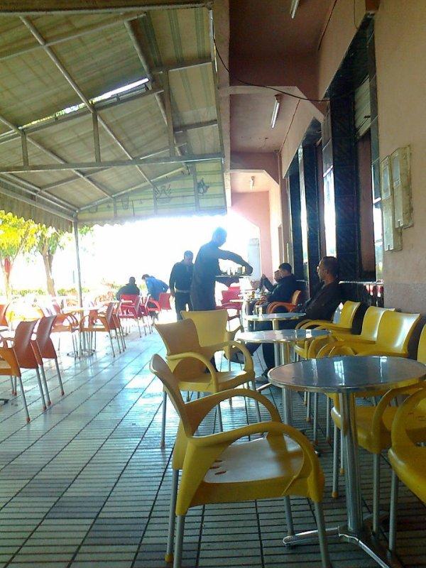 kamel live cafe midelt maroc
