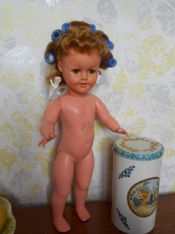 Regarde minou...j'ai pris un bon bain, petite maman a lavé mes cheveux, et mes vêtements sont tout propres!!!