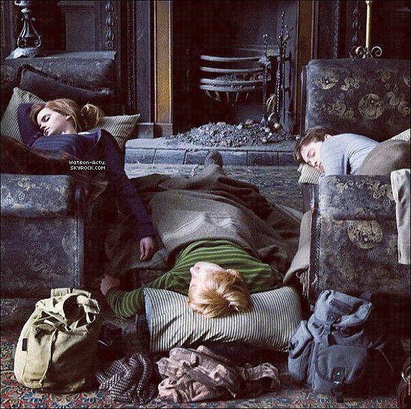 . » Nouvelles photos d'Harry Potter + News en vrac. «  ♥ Crédit des sources utilisées: EmmaWatsonFrance.net + EmmaWatsonFan.net ♥ .
