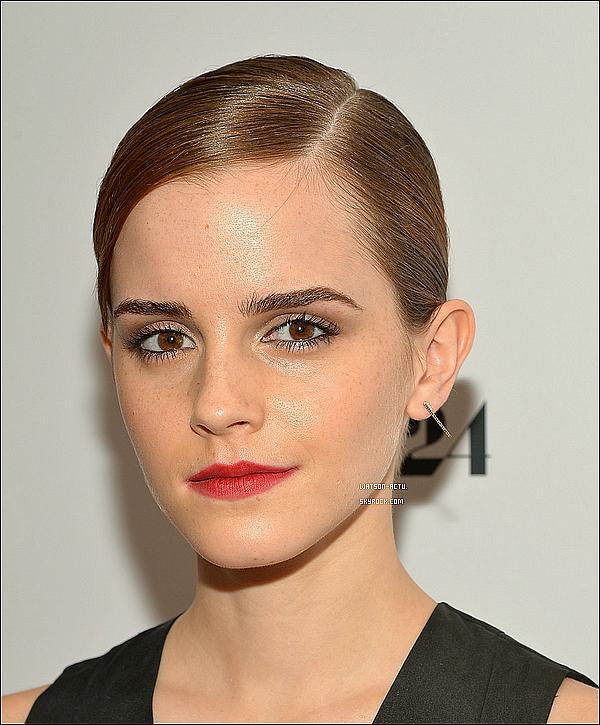 . » Emma à la Première de The Bling Ring à New York + Candid. «  ♥ Crédit sources utilisées: EmmaWatsonFrance.net ♥ .