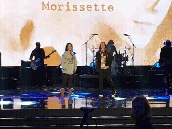 20 Novembre : Photos de Demi Lovato dans les backstage des #AMA's
