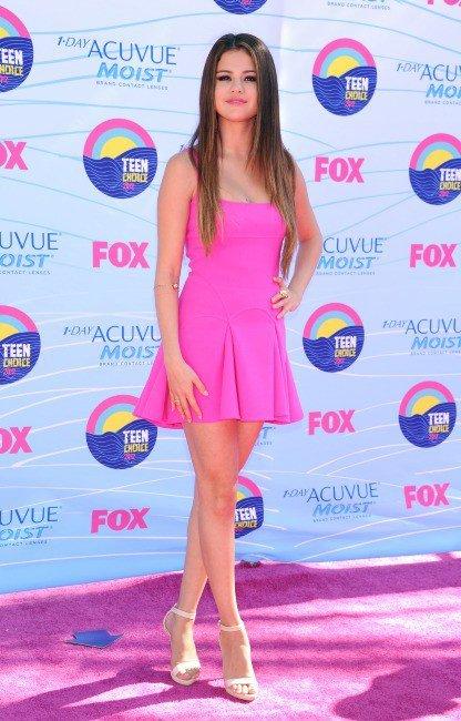 Photos : Teen Choice Awards 2012 : Selena Gomez : un petit bonbon rose qui a célébré ses 20 ans dans une ambiance très people !