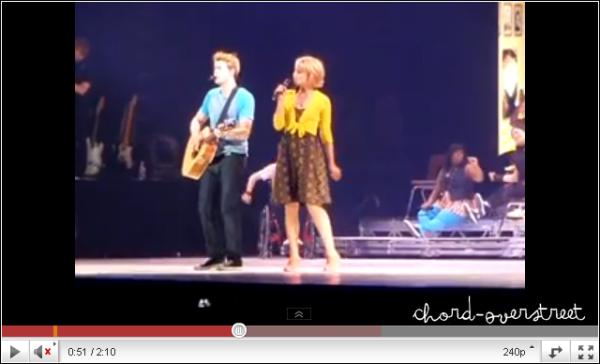 .   ★ GLEE LIVE TOUR 2011  : Une photo de Chord pendant le GLEE LIVE TOUR 2011 à Las Vegas ! Une.    .