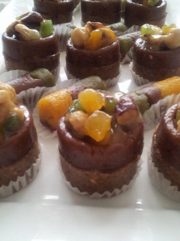Nouvelle presentation du Sfouf et dattes pour le Ramadan