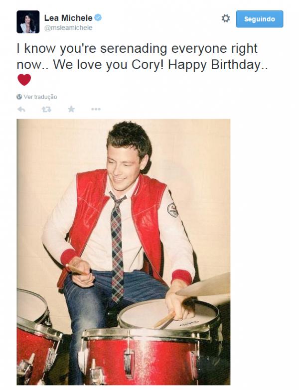 Lea Michele sut Twitter un petit mot dans Cory <3
