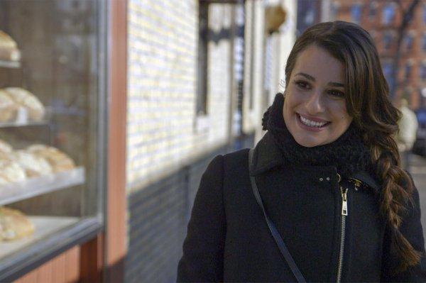 Découvrez tous les bd des stills de Lea Michele pendant l'épisode du programme who do you think you are dans notre galerie !