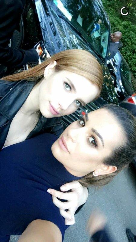 Lea Michele et Emma Roberts sur snap