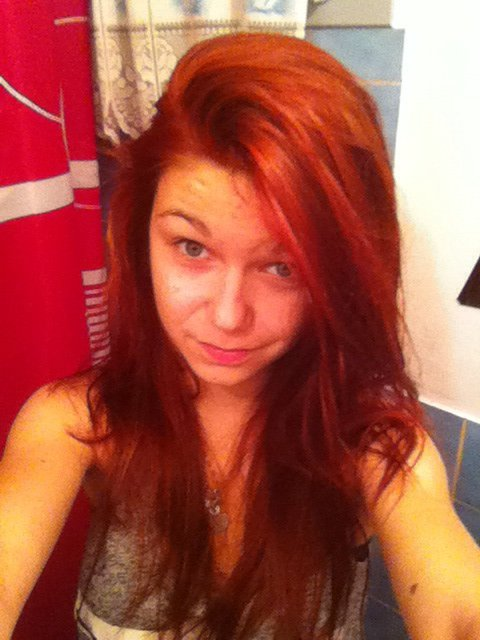 Moi en rouge :3