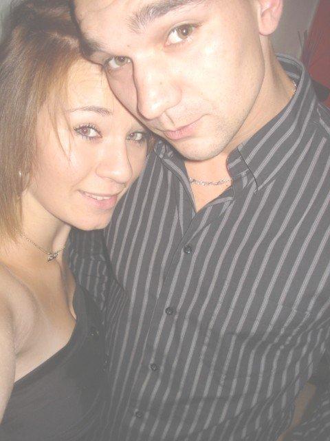 Alexandra / 18 Ans / En Couple =)  / Lille 59  Cyril/ 27 ans /En couple