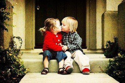 """Offres moi tes """"je t'aime"""", donne moi tes envies d'amour. J'apporterai tout de toi, dans la valise de mon coeur."""