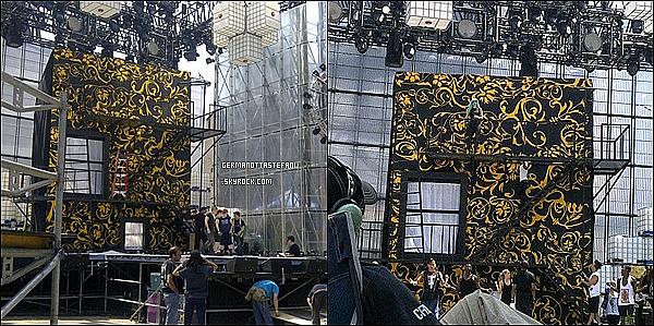 . 18/06/11 :   Aujourd'hui, Stefani Germanotta était au répétition des Much Music Awards.    .