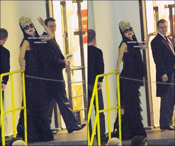 24/09/11 :  Lady Monster Gaga donnant un show au festival iHeart Radio dans Las Vegas. Qu'en penses-tu?