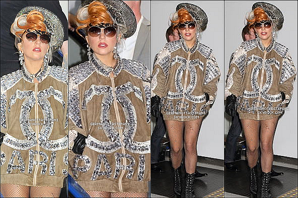 _  16/05/12 : Lady Gaga était à l'aéroport de Narita quittant le Japon direction Taïwan. _