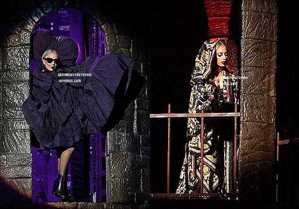 -[/align=center] 25 et 26 mai 2012 : Gaga a donner un concert à Bangkok et a été vu aujourd'hui à Singapour (Photos)   -[/align=center]