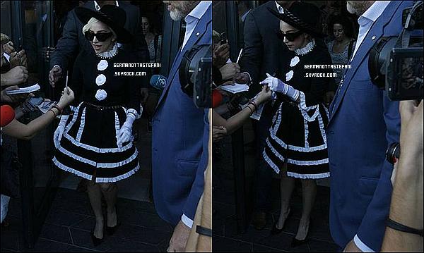 -[/align=center] 15/08/ et 16/08 : Lady Gaga a été aperçue a deux reprises à Bucarest en Roumanie pour sa tournée.   -[/align=center]