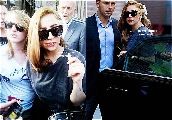 -[/align=center] 20/08/ 21/08 : Lady Gaga regagnant son hôtel a Amsterdam. Le lendemain, Gaga arrive en Lituanie.    -[/align=center]