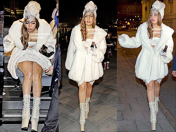 """-[/align=center] 29/08/12 :  La belle, Lady Gaga s'est rendue à une soirée pour le magazine  """"Bon"""" à Stockholm en Suède.   -[/align=center]"""