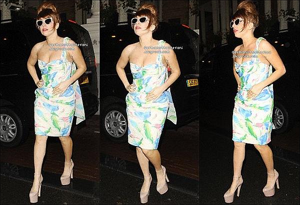 -[/align=center] 18/09/12 :  Lady Gaga à été aperçue quittant son hôtel situé à Amsterdam, pour ce rendre a sa tournée.   -[/align=center]