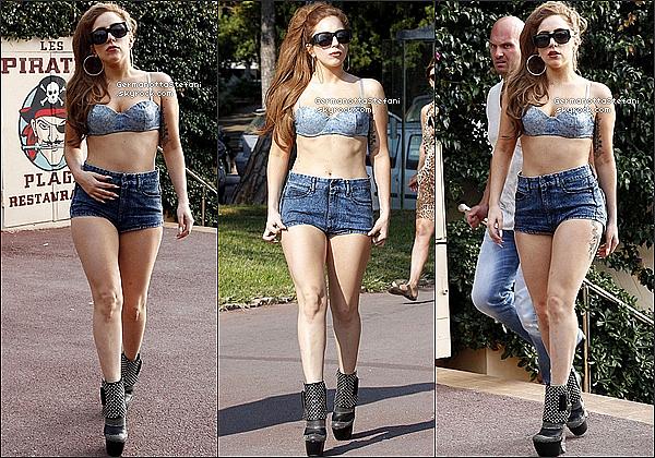 -[/align=center] 05/10/12 :  Lady Gaga à Nice en France et à été repéré en promenade  à Juan-Les-Pins. Top pour Gaga?  -[/align=center]