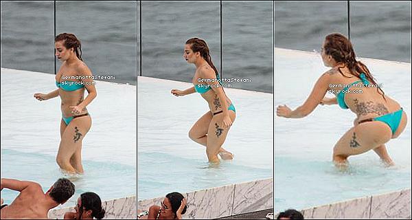 -[/align=center] 07/11/12 : Lady Gaga s'est autorisé un petit plongeant dans la piscine de son hôtel de Rio de Janeiro.  -[/align=center]