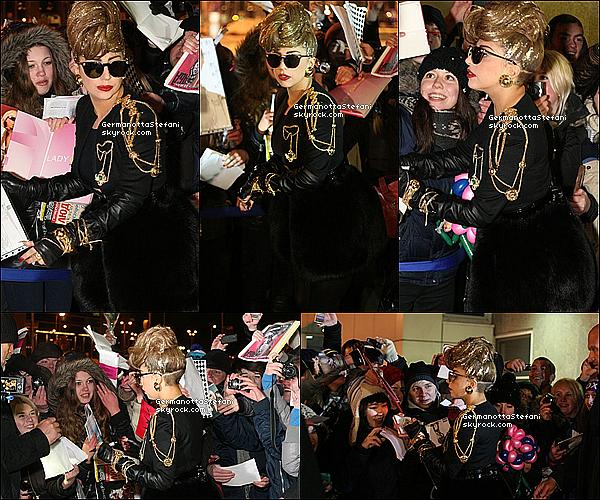 _  07/12 : Lady Gaga est arrivée à Saint Petersbourg en Russie dans le cadre du Born This Way Ball.  _