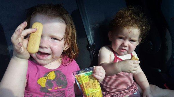 Petit coucou au filles avant qu'elle parte en vacances