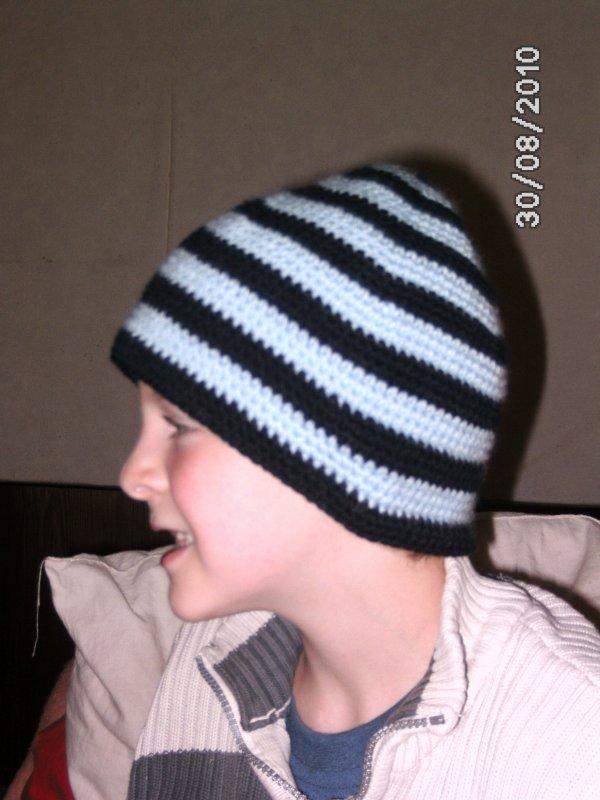 bonnet a rayure