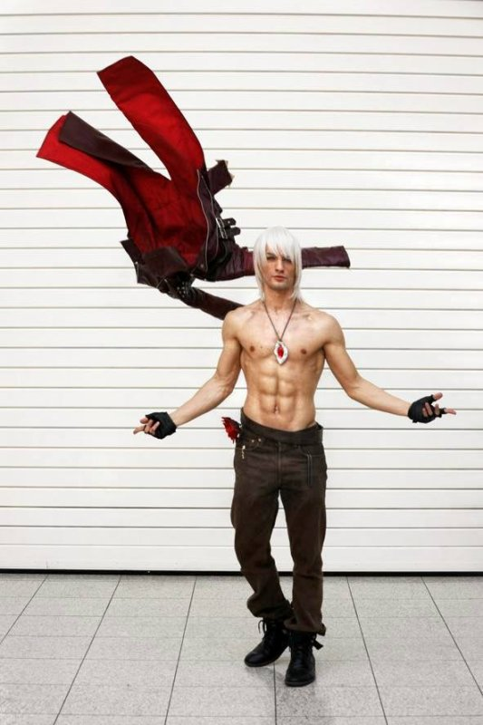 [ COSPLAY ] Devil May Cry