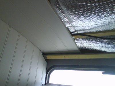 Lambris pvc plafond salle de bain neon pos s blog de eltds for Pose de lambris pvc au plafond video