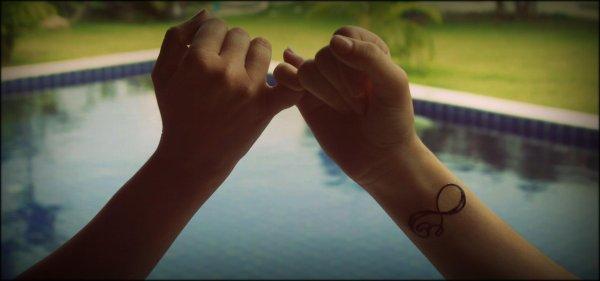 « On a tous des amies magiciens, ils disparaissent quand on a besoin d'eux, et apparaissent quand ils on besoin de nous. ♥ »