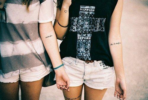 Pourriez Vous Avoir Un Tatouage En Commun Avec Votre Meilleure Amie