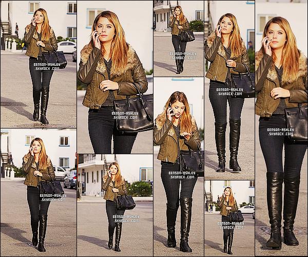 * 22/11/13 :  Ashley  a été aperçue au téléphone a la sortie d'une agence de casting a   Santa Monica en Californie. Pour cette nouvelle sortie au téléphone,  Ashley  a décidé de  s'habiller dans des couleurs sombres mais c'est tout de même vraiment jolie  ! *