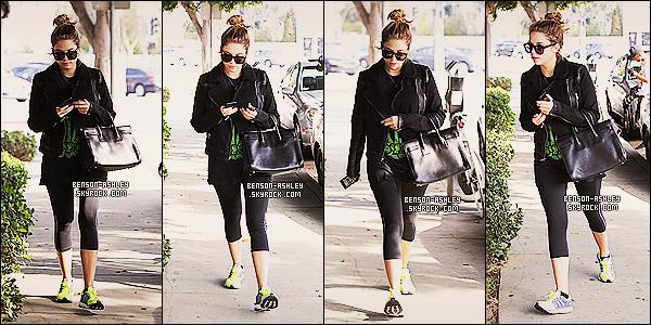* 25/10/13 : Ashley  a été aperçu a la sortie de son cours de  GYM dans les rues de West Hollywood a Los Angeles.   Aujourd'hui nous avons eu droit a de la couleur de la part d'Ashley se qui nous change grandement. Si seulement sa pouvait continuer! *