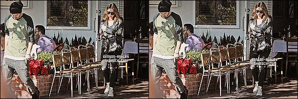 * 29/12/13 : Ashley  a été aperçue  en compagnie de Ryan  Good a la sortie du   Muro's Cafe dans West Hollywood.   Après des semaines sans  nouvelles, Ashley a décidé de sortir mais ne change pas ses habitudes de couleurs pour s'habiller, du noir ! *