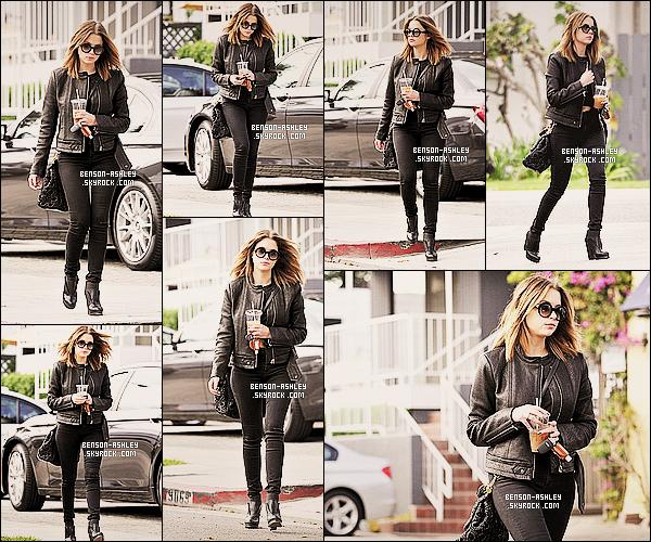 * 31/01/14 : Ashley  a été aperçu  a la sortie d'un restaurant  La Conversation en pleins dans     West Hollywood.  Du noir comme toujours  pour Ashley, enfin on est pas surpris par le choix de couleur de cette tenue. Elle lui va bien quand même     ! *