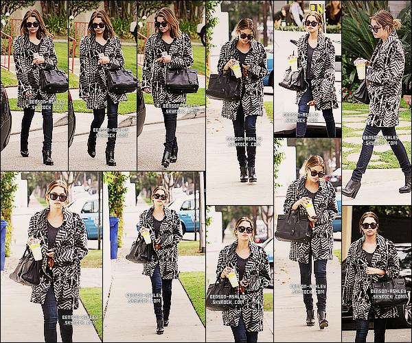 * 24/01/14 : Ashley  a été aperçu  se balladant après avoir été prendre une petite    Limonade     dans  Los Angeles.  Ashley a pris le temps de faire plaisir a ses fans en faisant quelques photos avec eux  après avoir bu toute sa limonade sinon elle est jolie   ! *