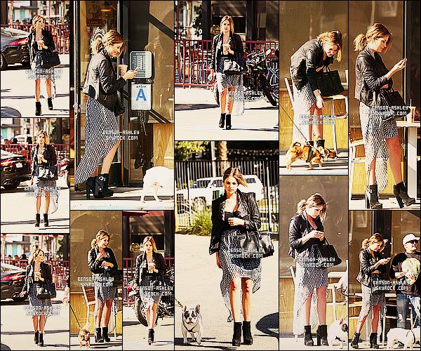 * 27/01/14 : Ashley  a été aperçu regardant son téléphone après avoir été se chercher un petit   café     a  Los Angeles.  Je ne suis pas fan de la tenue d'Ashley ce cout ci, je ne l'a trouve pas vraiment superbe. Elle est drole lorsqu'elle joue avec le chien     ! *