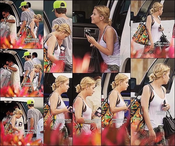 * 02/03/14 : Ashley a été aperçu accompagné de Ryan Good de retour a l'aéroport après son  voyage a    Cancun.  Finis le soleil de Cancun pour Ashley et la voila de retour chez elle avec son copain. Au niveau tenue c'est négligé mais acceptable ! *