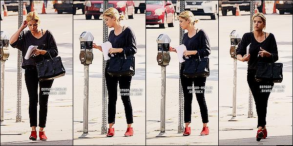 * 05/03/14 : Ashley a été aperçu près d'un parking après avoir été a un     rendez-vous   situer dans Los Angeles.  Il y a un petit peu de couleur pour Ashley mais je déteste ce genre de chaussure ce qui est  dommage mais bon sa peut passer encore ! *